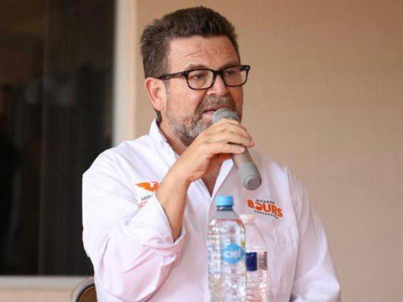 Ricardo Bous se compromete combatir violencia en Caborca