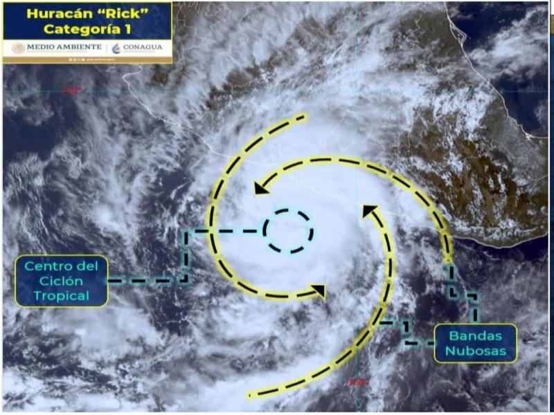 Rick se desplaza lentamente, pronostican lluvias fuertes en Guerrero