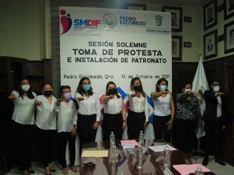 Rinde protesta SMDIF en Pedro Escobedo