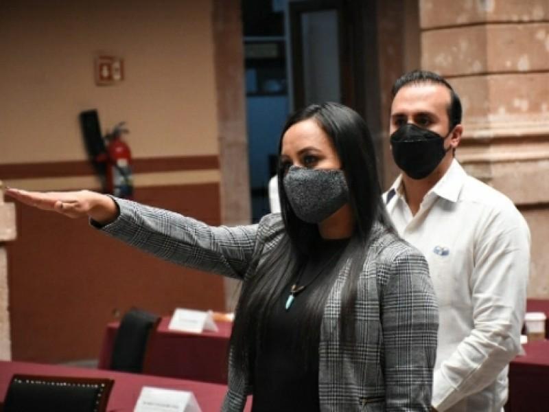 Rinden protesta 3 diputados suplentes
