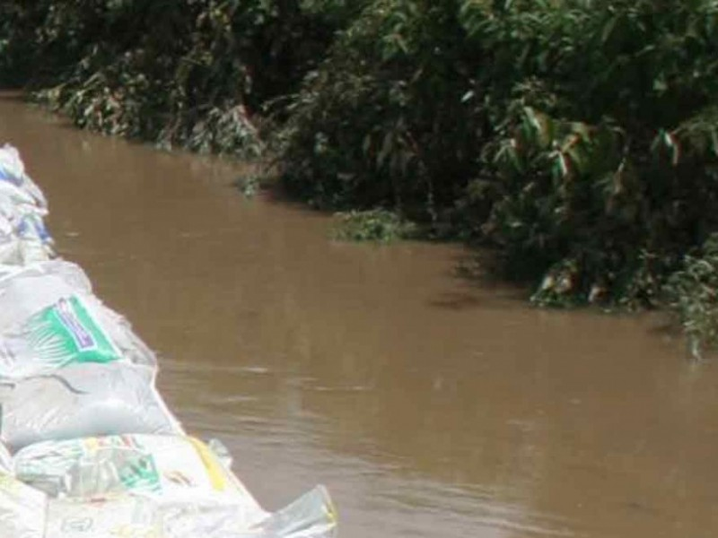 Río Acapol aumenta su caudal