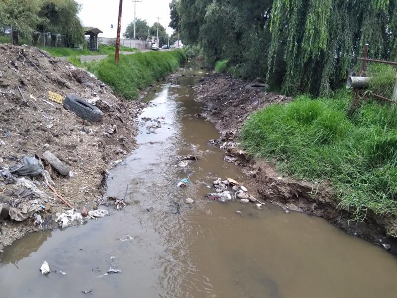 Ríos y canales enfrentan contaminación en lluvias