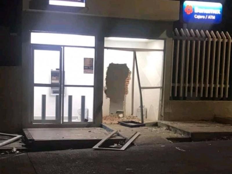 Roban cajero del IMSS en Salina Cruz