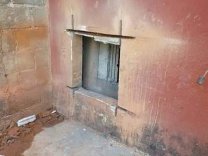 Roban sucursal bancaria en Suchiate