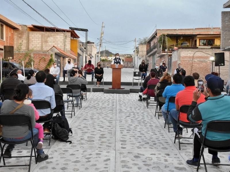 Roberto Sosa entrega obra de urbanización en Ampliación J.MTruchuelo