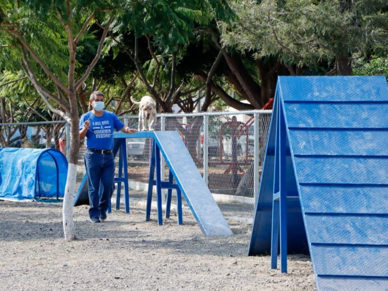 Roberto Sosa Pichardo entrega Parque para Perros