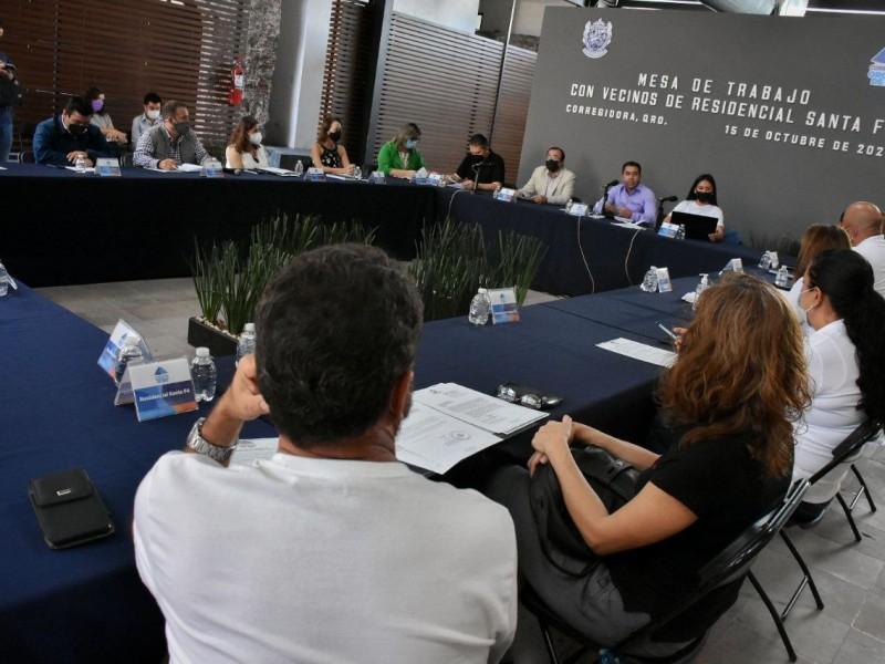 Roberto Sosa Pichardo se reúne con vecinos de Santa Fe