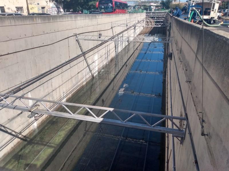 Robo de cableado deja Tren Ligero inundado y sin servicio