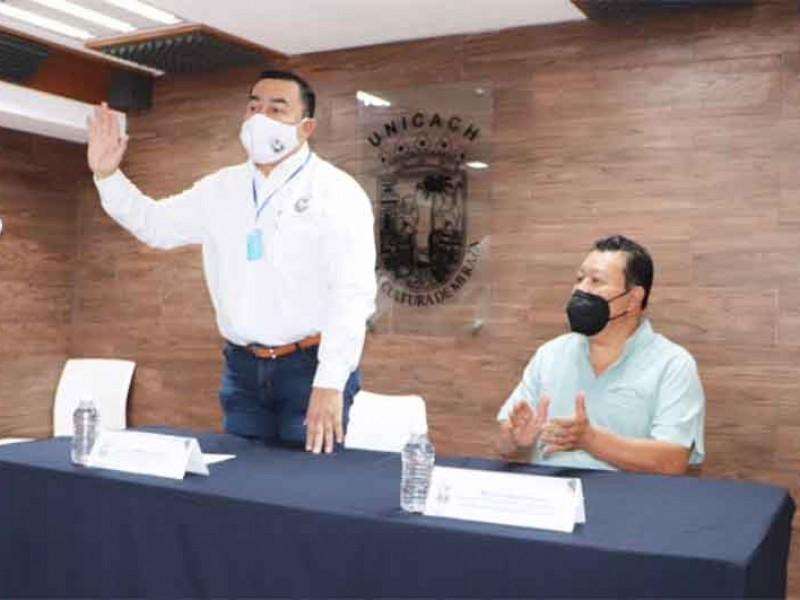 Rodolfo Calvo Fonseca deja la rectoría de la UNICACH