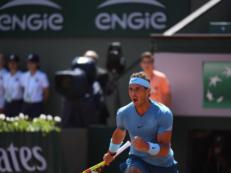 Nadal y Halep avanzan en Roland Garros
