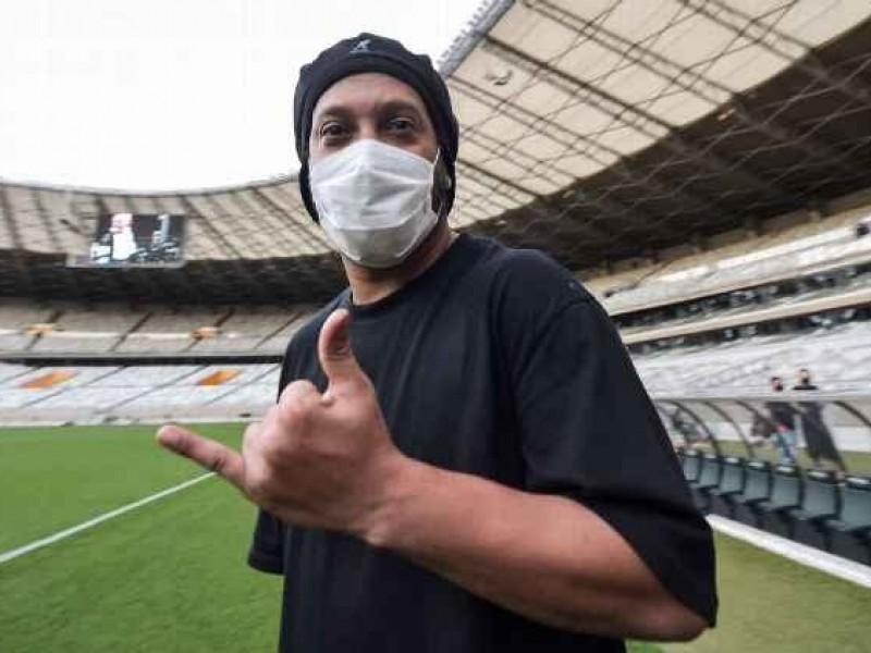 Ronaldinho da positivo a covid-19