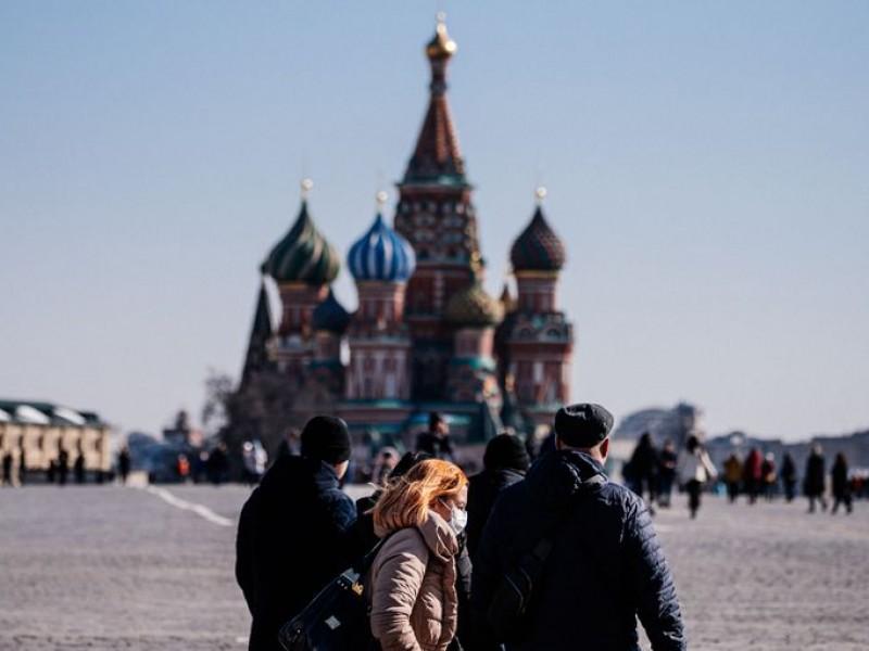 Rusia reporta récord Covid-19, 18 mil en una jornada