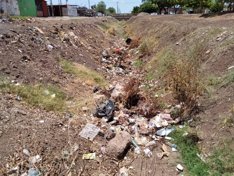 Sacan diario 8 tonelada de basura de canal Villa Bonita