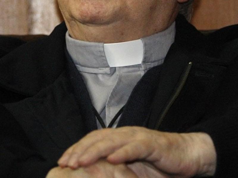 Sacerdote abusó de niña; pensó que tenía 15