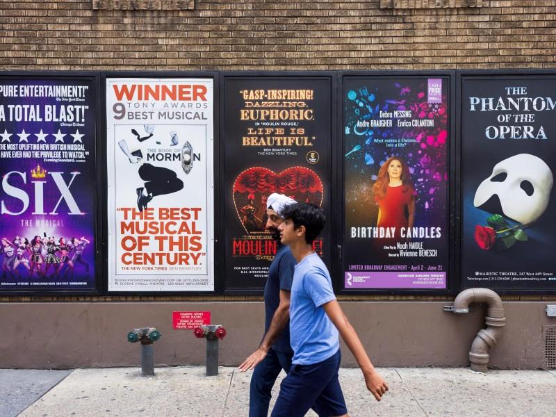 Salas de Broadway exigirán certificados de vacunación y cubrebocas