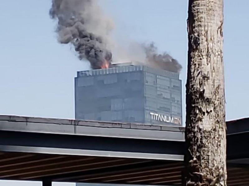 Saldo blanco en incendio de Torre Titanium