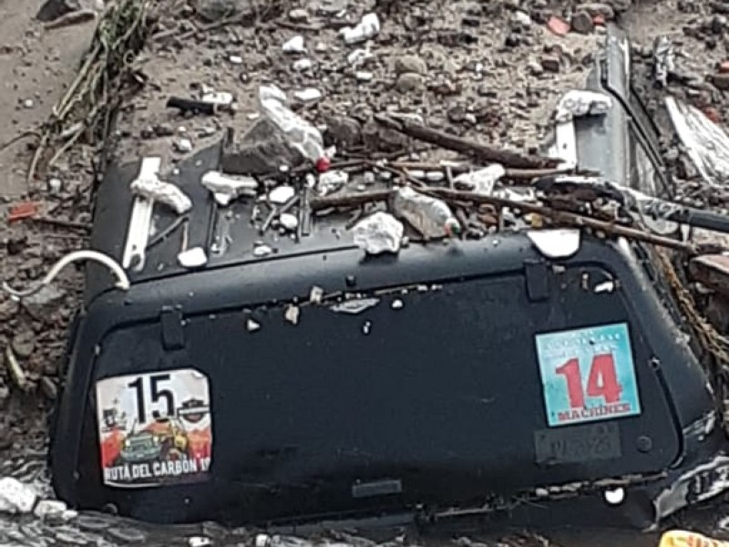 Saldo de 2 muertos tras desbordamiento de arroyo