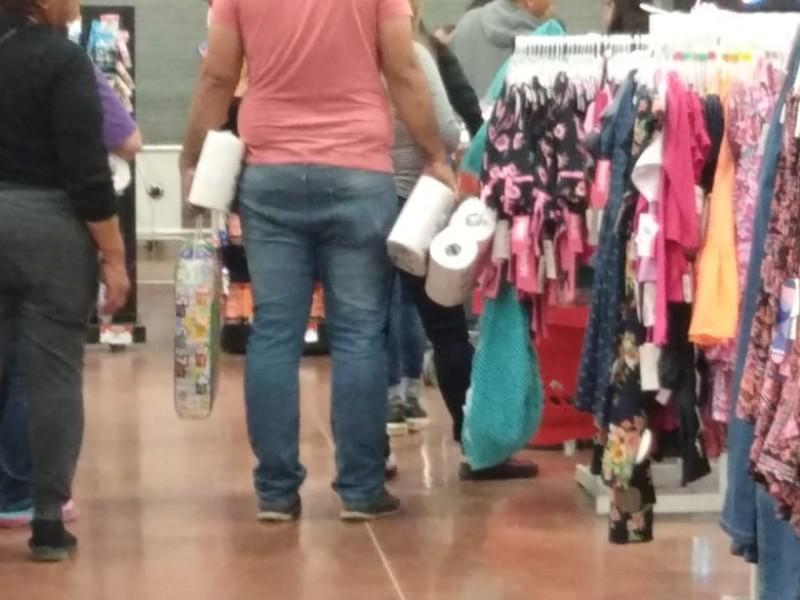 Salen guaymenses a hacer sus compras
