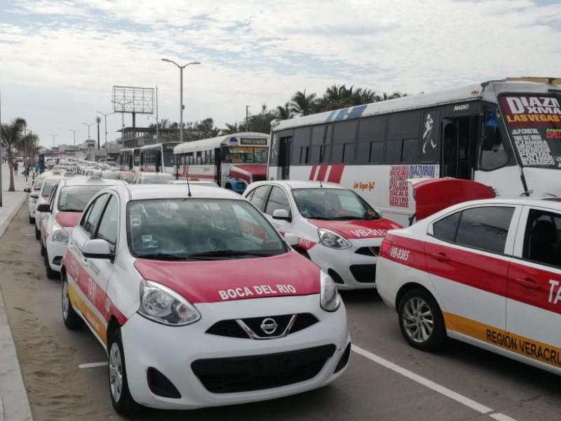 Sancionan a conductores de transporte público por incumplir con medidas