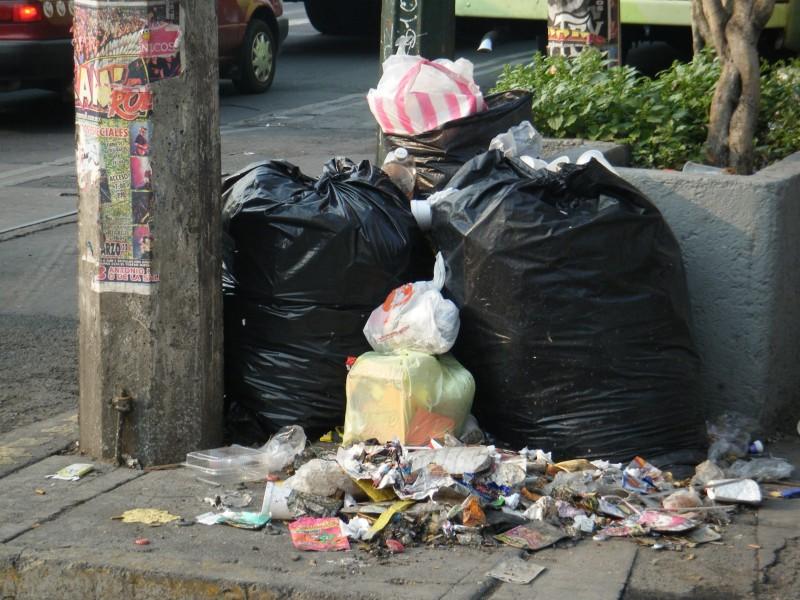 Sanciones de hasta 800 pesos por dejar bolsas de basura.