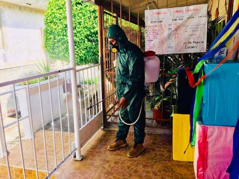 Sanitizan comercios contra el Covid-19 en Cerro Azul