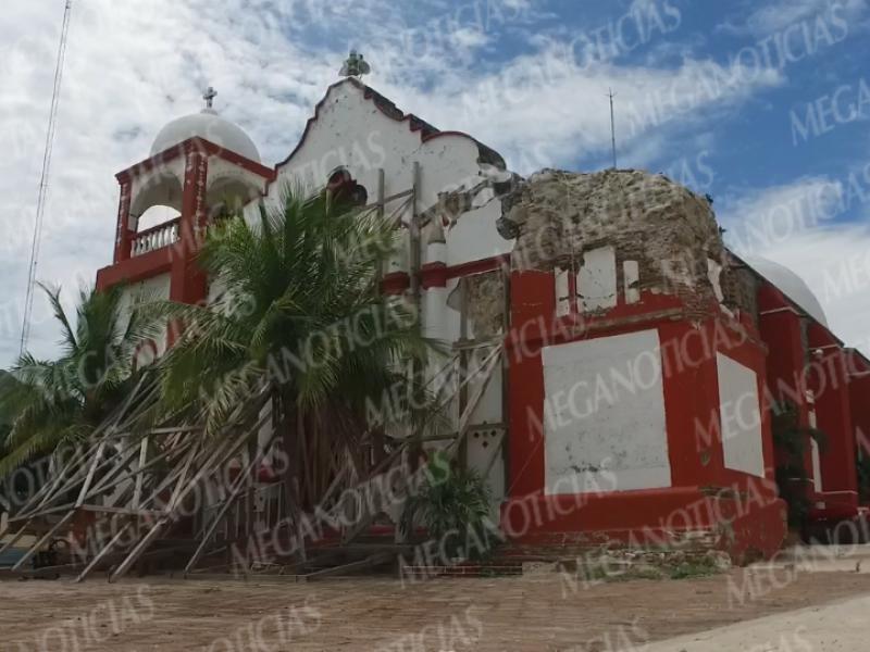 Santiago Astata sin apoyo del gobierno; reconstrucción abandonada