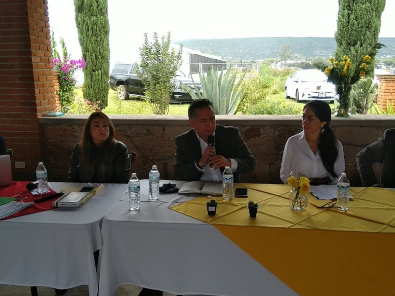 Santiago Nieto reúne con el PT Querétaro