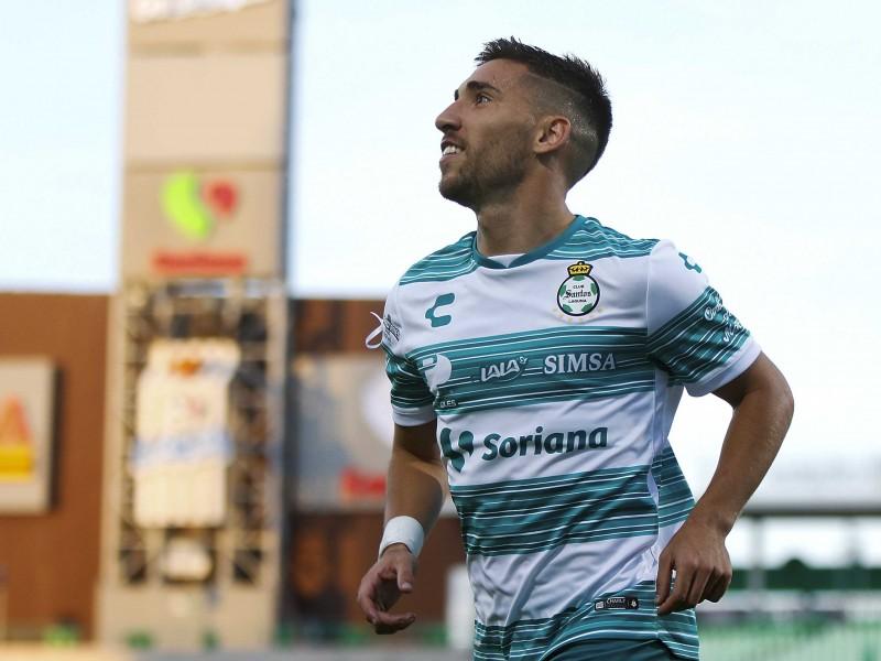 Santos vence y convence ante Chivas