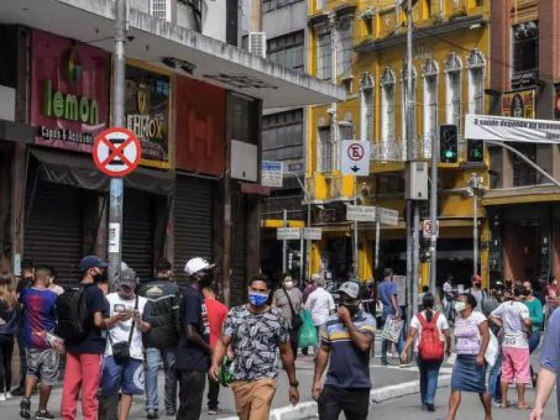 Sao Paulo reabre bares con leve estabilización de pandemia