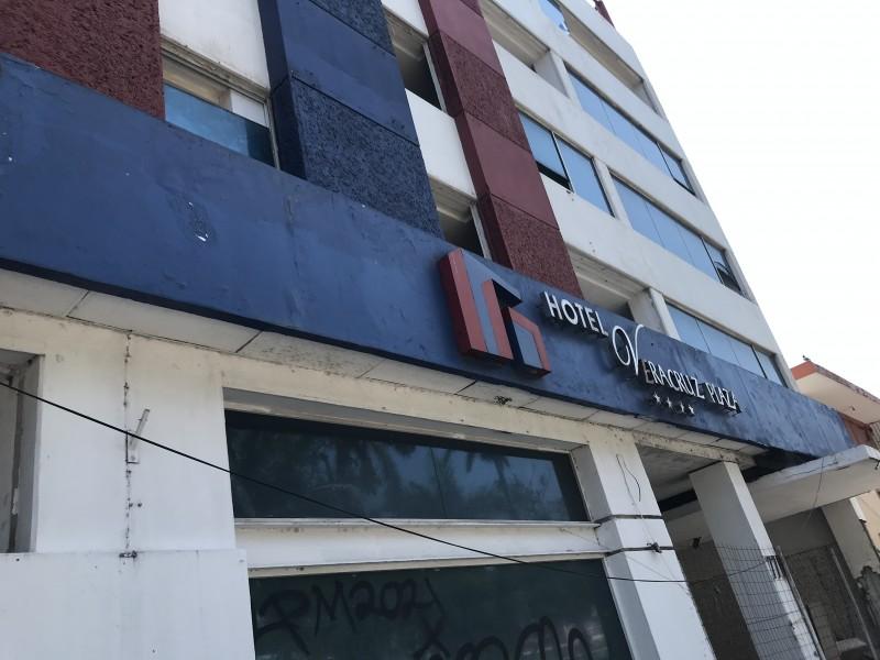 Saquean hotel ubicado en centro de Veracruz