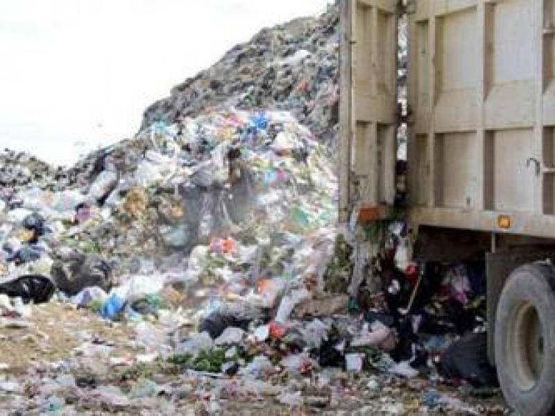 Saúl Monreal lamenta falta de compromiso en construcción de basurero