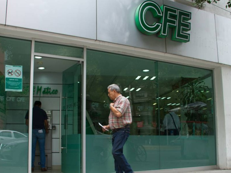 Se agrava la crisis en la CFE, caen las ventas