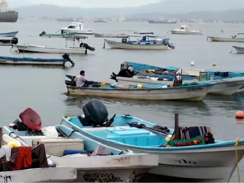 Se cierra puerto de Manzanillo por llegada