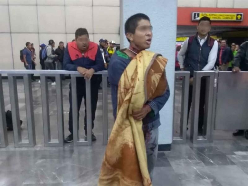 Se corta el cuello en el Metro Pantitlán