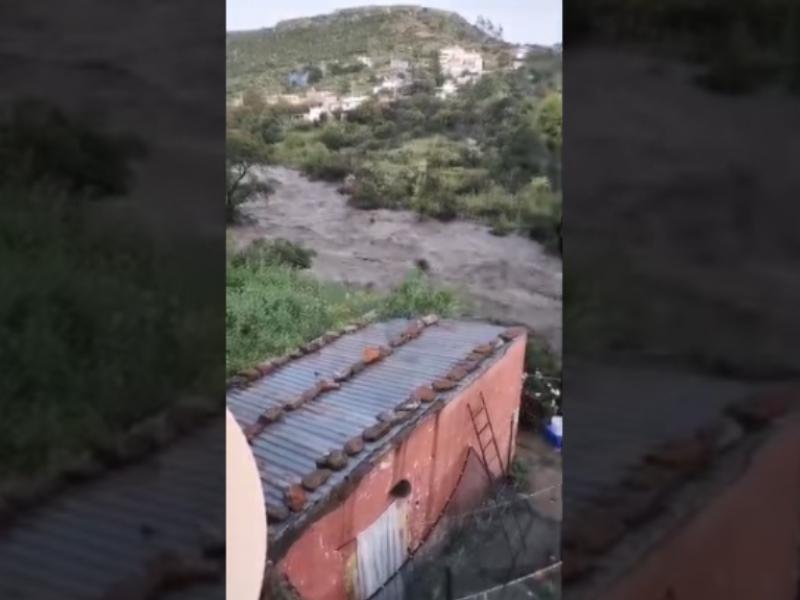 Se desborda presa San Aparicio en Genero Codina