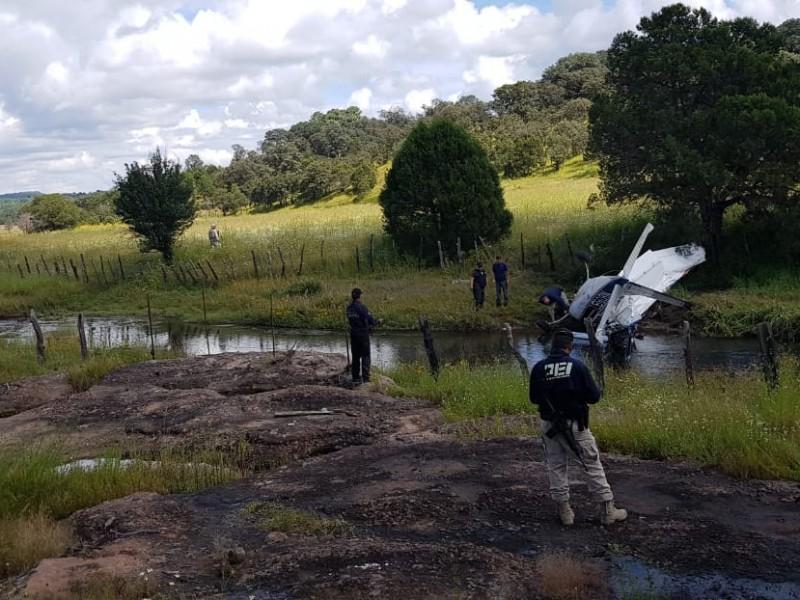 Se desploma avioneta y deja tres muertos