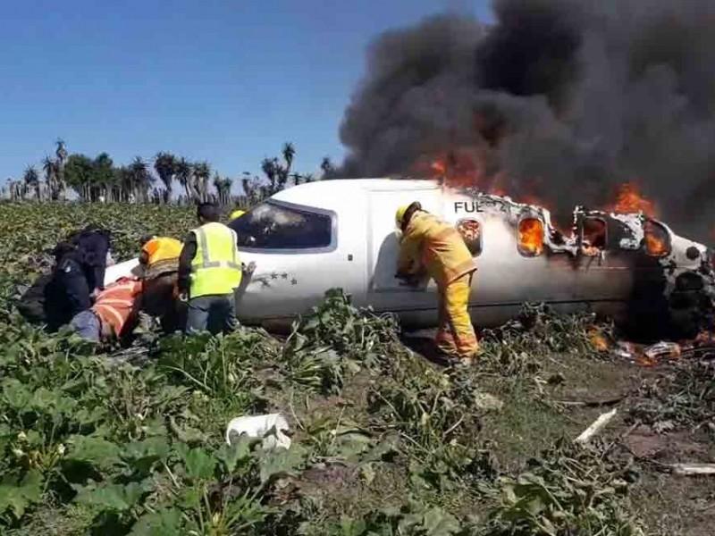 Se estrella avión de la Fuerza Aérea y mueren 6