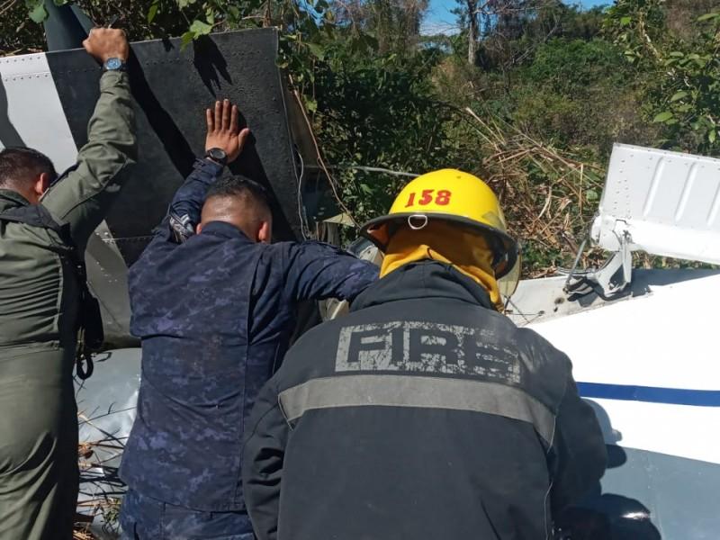 Se estrella avioneta en El Salvador hay tres muertos