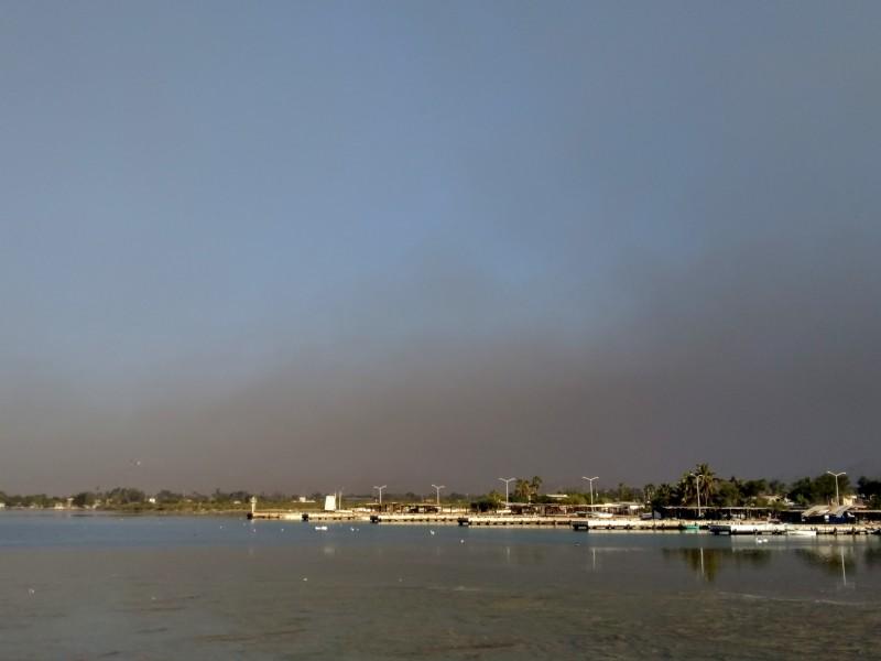 Se extiende contaminación por quema de llantas