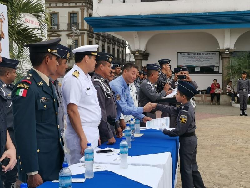 Se gradúan 62 integrantes del Pentathlón en Tuxpan