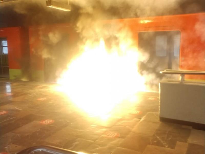 Se incendia tren en la estación Indios Verdes del Metro