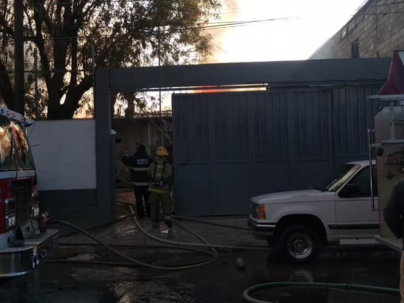 Se incendian antiguas instalaciones de la PGR