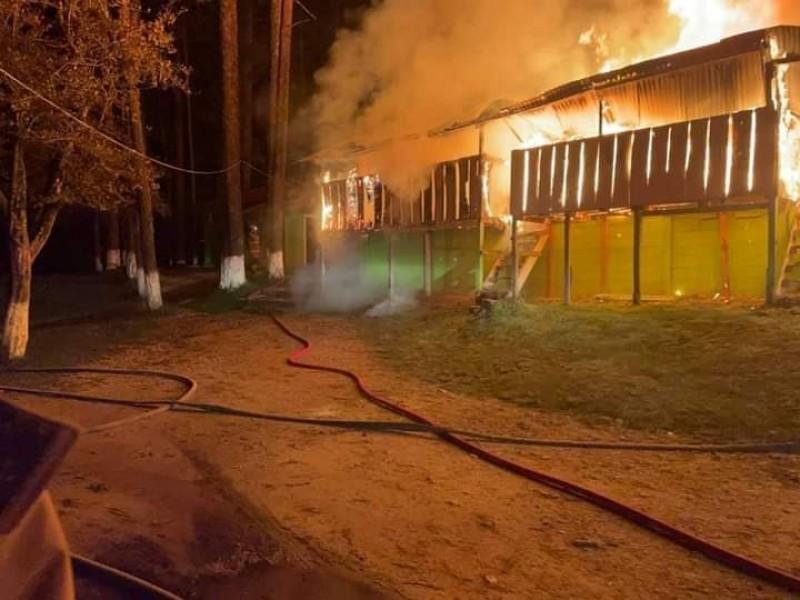 Se incendian locales de Rancho Nuevo, SCLC