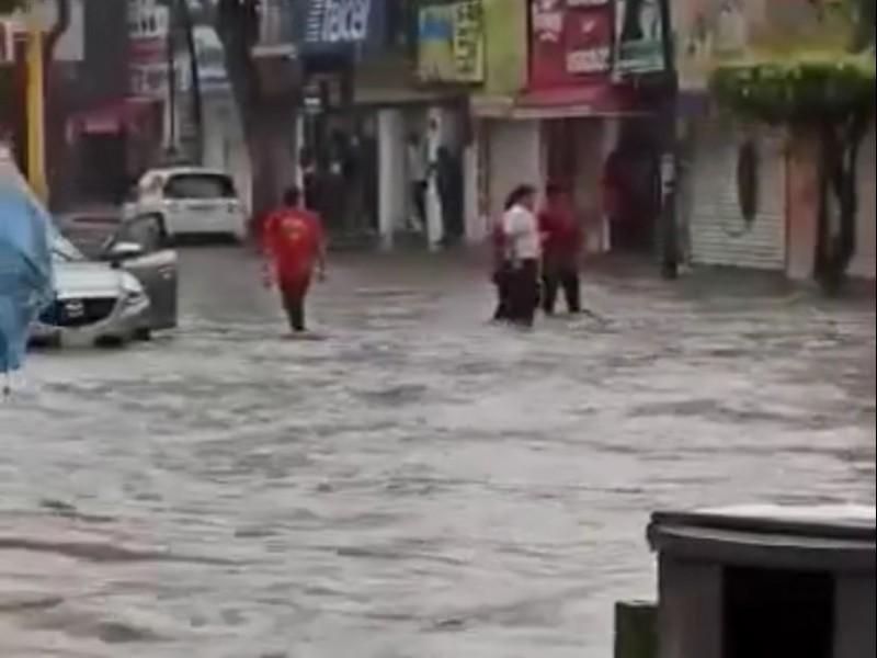 Se inunda avenida central de TGZ