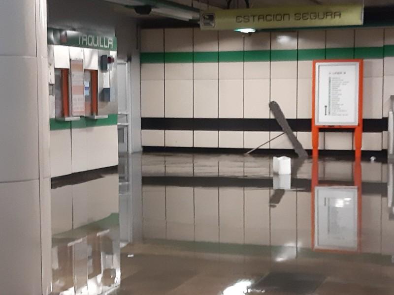 Se inunda metro Atlalilco en la Cdmx