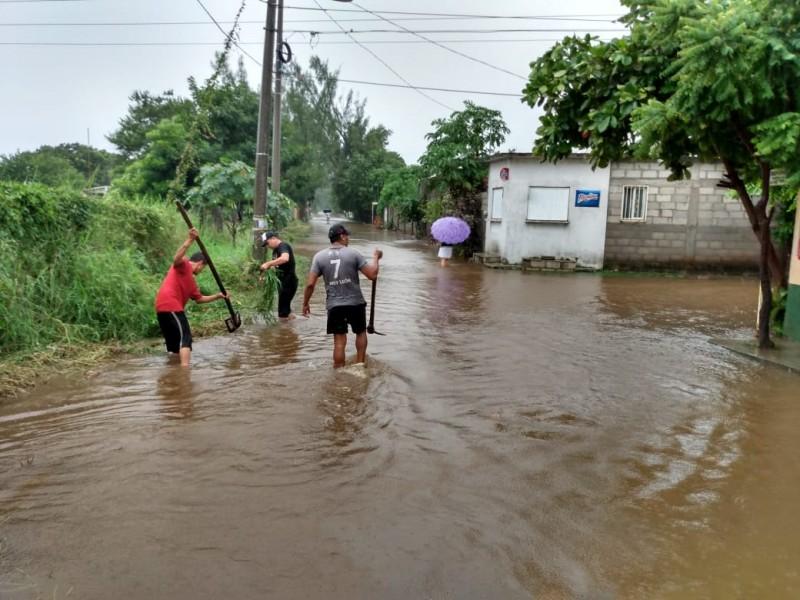 Se inundan viviendas en Juchitán