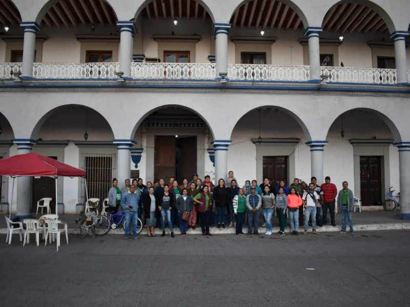 Se manifestó el SUTSEM en Santiago Ixcuintla