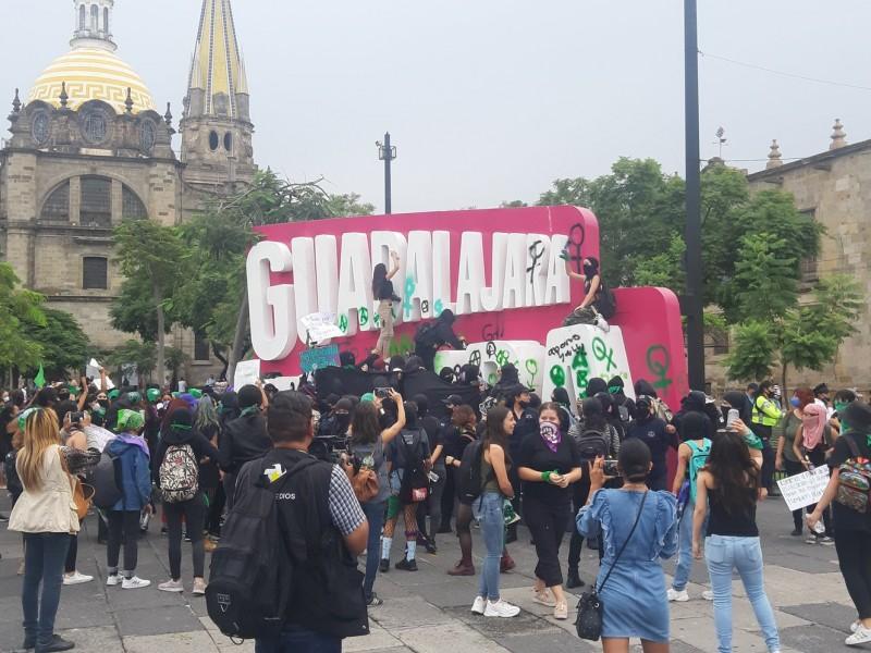 Se manifiesta contingente pro aborto en Centro Histórico