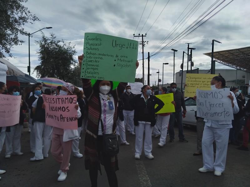 Se manifiesta personal médico  en el Estado de México