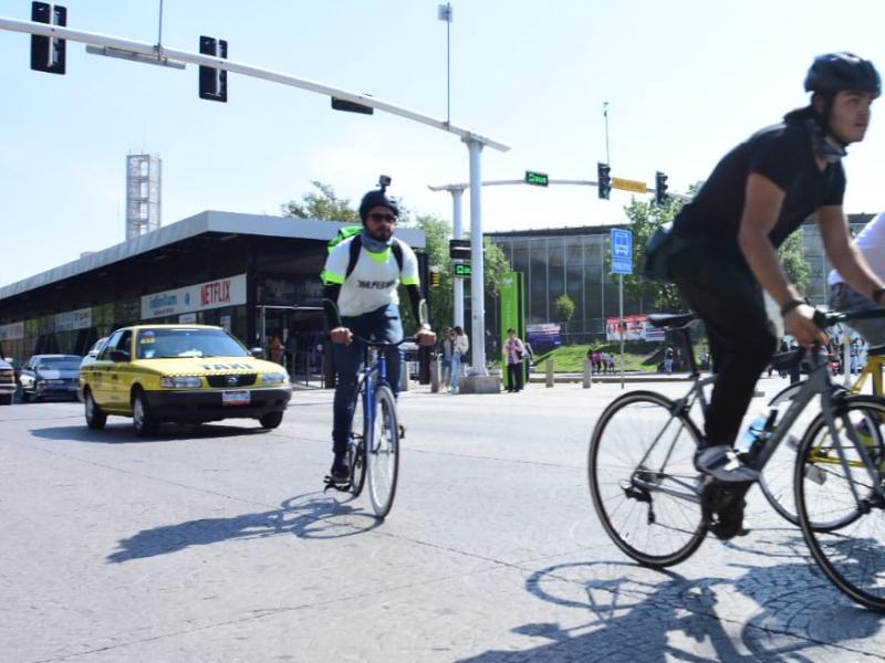 Se manifiestan ciclistas